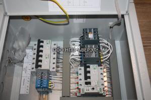 Шкаф ЩАВР 1-16А (2 ввода 220В 16А, IP31) Schneider